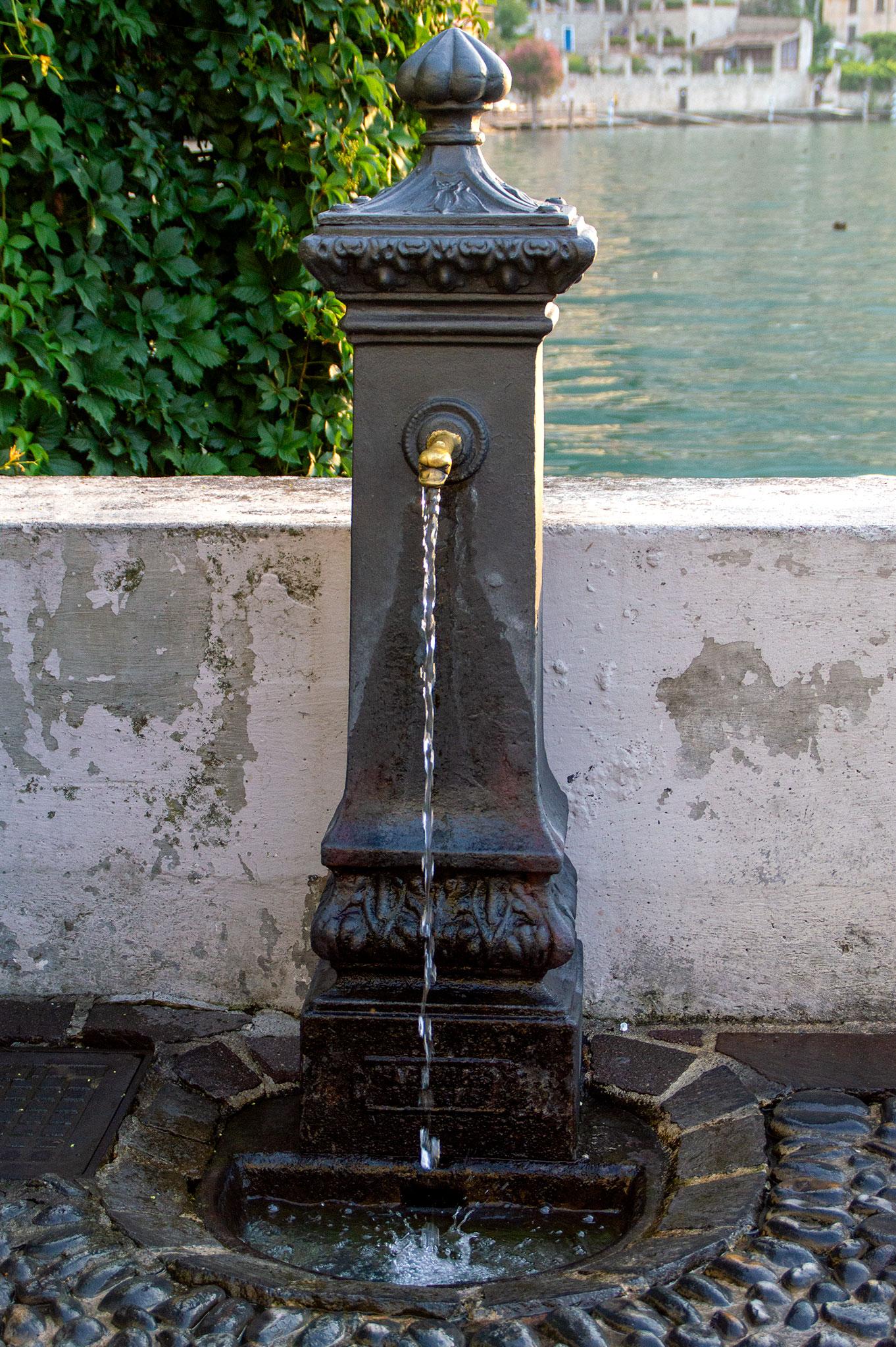 vandpost i Limone